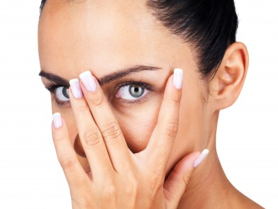 video-how-to-conceal-dark-circles-under-your-eyes